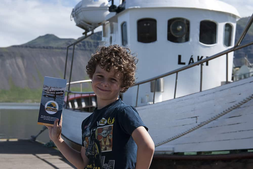True Model Pose with the Handout in Front of the Láki I, July 2016